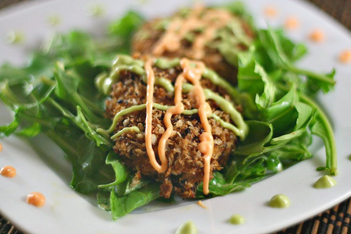 Panko Baked Crab Cakes With Spicy Avocado Dressing