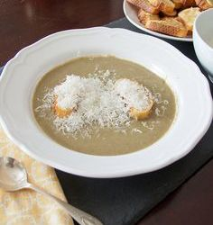 Mushroom Leek Soup with Garlic Croutons